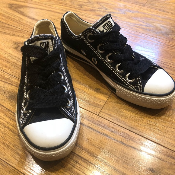 c7313d74b1572d Converse Shoes - Converse Men s size 4  Women s 6